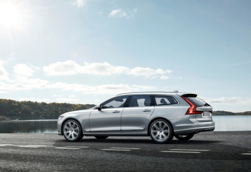 Volvo V90 Location 7/8 Rear