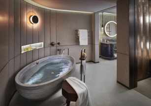 LMHKG_E_Suite_bathroom